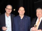 Beat Röthlisberger (à g., Mercedes-Benz), le directeur d'Autoscout Christoph Aebi et Walter Hennecke, l'ancien directeur du Garage Zürich Nord
